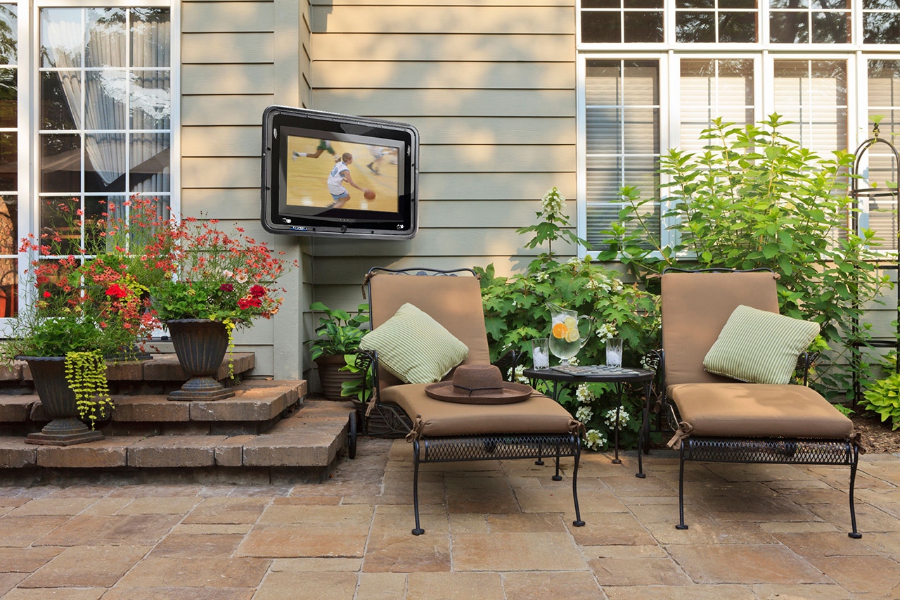 Outdoor Tv Enclosure Watch Tv Outdoors